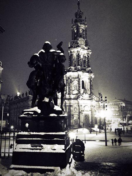 Exploring Dresden... Blackandwhite Urban Landscape Dresden