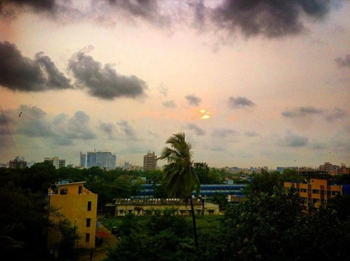 the Evening glory!!! Nature Sky_captures Sky Sundown Bombay Chembur Eveningsky Evenings Beautiful
