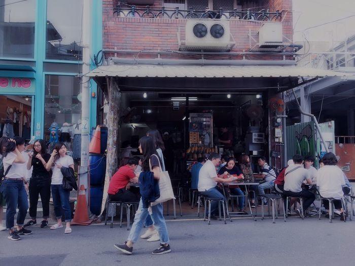 漫步台南,美食巷弄 Streetphotography Traveling Landscape The View And The Spirit Of Taiwan 台灣景 台灣情 Travel City Architecture Building Exterior Adult Women People Group Of People Communication Real People Street Full Length City Life Lifestyles Standing Built Structure Day