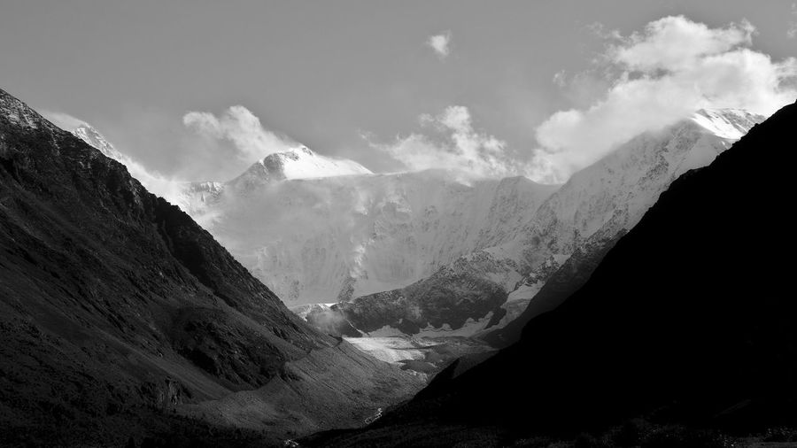 Royal Mountains Mountain Landscape Idyllic Nature Outdoors Mountain Range Geology Mountain Peak Travel Black And White World Earth Snowpeak 16:9 Contrast Valley Wanderlust Hiking No People Remote Tranquility Snowcapped Mountain Belucha Life Journey