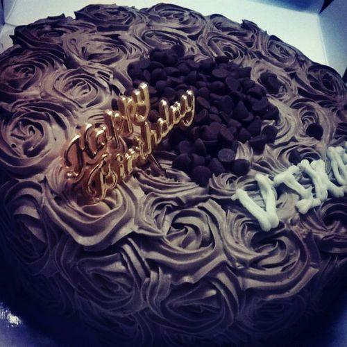 Delicious Cake Chocochips Foody Loveforchocolates Deliciouslydelicious Rosepattern Mouthwatering Birthday Cake ChocoChipAndNutellaEnfusedSpongeCakeTopedWithVanilaIcecream Close-up Chocolate Cake Pattern Design EyeEmNewHere