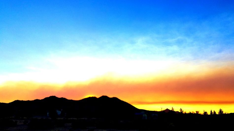 Smoke from the blue cut fire Hanging Out Hello World Taking Photos Smoke Filled Sky Apple Valley, Fire Apple Valley, CA My Point Of View