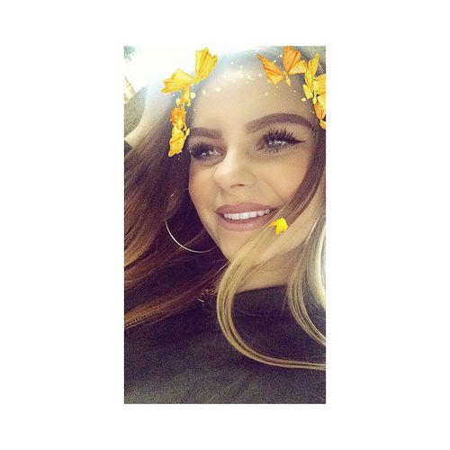 """""""Ich bin nicht glücklich, mir brachte nur jemand bei, wie man lächelt."""" Hello World A Little Bit  Fake Smile Just Me Blonde Girl EyeEm Girl Instagrammer (justkatriin❤️) Follow Me Kiss Kisses Snapchat (katrinchantal)"""