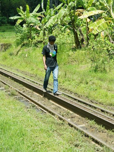 Walk alone Train Tracks Travelling Train_of_our_world EyeEm EyeEm Gallery First Eyeem Photo Taking Photos Candid Photography Candid