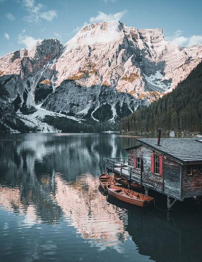 Lago di braies on morning