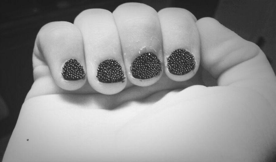 Cc J'aime Trop Mon Nouveau Vernis. #guylondparis#mini#pealrs#ouiiiiii#trooooop#beau#