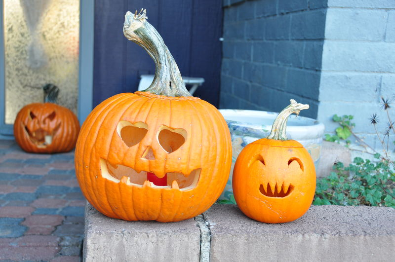 Jack o lanterns on retaining wall