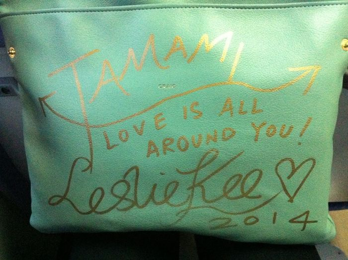 I got a autograph of very famous photographer,LESLIE KEE!!! And, it's on my clutch bag! Fashion Autogragh