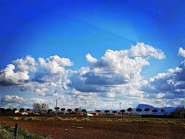 Vista da Santarcangelo di Romagna Sanmarino Emiliaromagna Italy Paesaggioitaliano Clouds Cloudscape Blusky Skycloud IGDaily Igersitalia Montetitano Panorama Panoramicview Italia Nuvole Repubblicadisanmarino Republicofsanmarino Beautifulcolors Skycolors