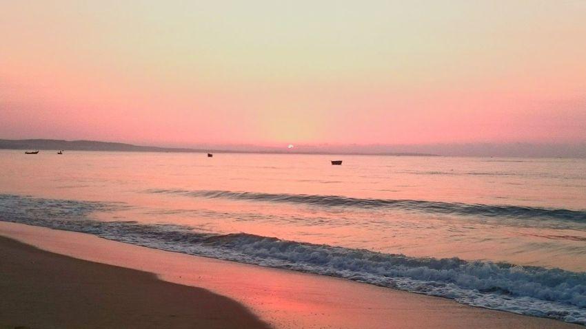 First crack of the sunrise Sunrise Pink Horizon Beach Sun Hamtien Phanthiet Vietnam Coral By Motorola