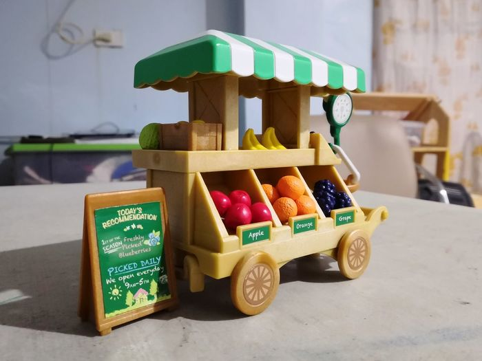 Fruiy stand toy