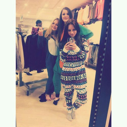 Shopping Me Love Peace ✌