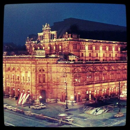 {pic} old pic of the Vienna Staatsoper (Stateopera )