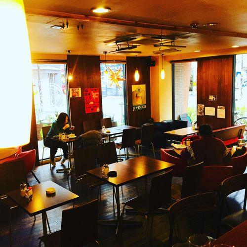 おはようございます! 週末の金曜日です。 今日は、サンキューの日です。 来ていただく皆さんに感謝感謝です。 本日もアルバーマーはオープンです。 美味しいコーヒー淹れてますよ〜! ぜひお越し下さい(^◇^) サンキュ〜〜 アルバーマー 住所・高槻市城北町2-10-20-103 電話番号・072-672-1900 Alvamar Alvamar アルバーマー Takatsuki 高槻市 高槻カフェ 高槻 Chair Indoors  Table Desk Illuminated Restaurant Office Chair