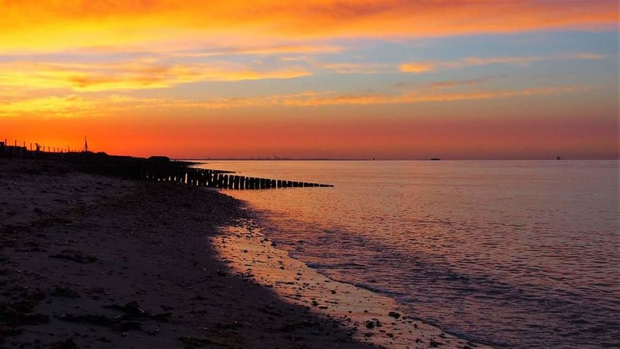 Sunrise over the solent❤🌅🌟 Sea Sunset Sky Water Beach Land Beauty In Nature Scenics - Nature Cloud - Sky Tranquility Nature Tranquil Scene Sand Horizon Coastline Horizon Over Water Vacations Dramatic Sky Holiday Sun Lepe Country Park Solent