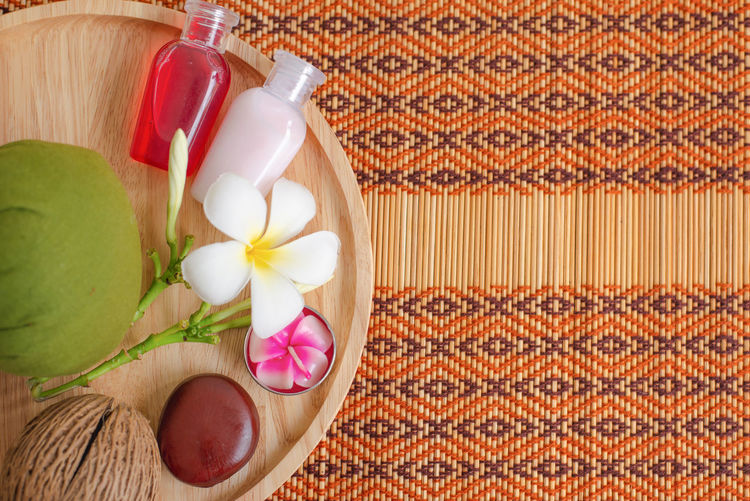 Flower Flowering Plant Freshness Plant Still Life Wellbeing Indoors  Food And Drink Container Close-up Food No People High Angle View Spa Treatment Table Body Care Relaxation Nature Beauty In Nature Place Mat Sky Treatment Scrubs Aloma Healthy