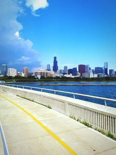 Battle Of The Cities Chicago Skyline Chicago ♥ Lake Michigan Lake View