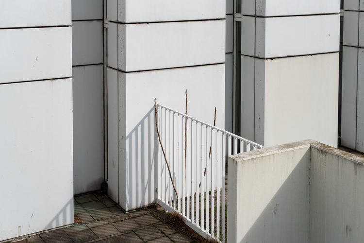 Hoffi99 Architecture Built Structure Railing Wall - Building Feature Staircase Building Exterior No People Day Building Steps And Staircases Pattern Outdoors White Color Safety Sunlight Absence Security Nature Flooring Balustrade Concrete