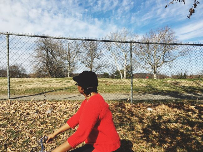 Urban Spring Fever Biking Biking Around Hello World Hanging Out Check This Out Taking Photos Enjoying Life Relaxing Red TreePorn Spring Springtime Nature Nature Photography Blue Sky Clouds Leaves Golfcourse