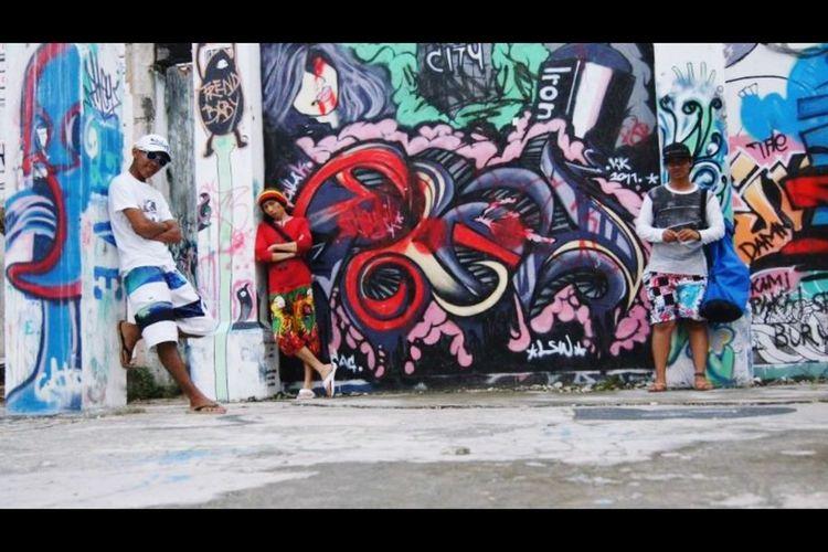 Kota Kinabalu City, Sabah, Malaysia.. Kkstreetlife Check This Out Hanging Out Hello World Taking Photos Enjoying Life Living Bold Streetphotography Streetgraffiti Kota Kinabalu