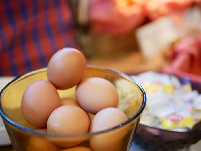 boiled eggs Household Equipment Sweet Food Selective Focus Container High Angle View Kitchen Utensil Still Life Table Close-up Healthy Eating Focus On Foreground Bowl Egg Food And Drink Food Freshness Wellbeing Indoors  Ready-to-eat Boiled Egg