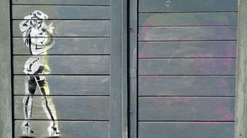 Wood - Material Door Girl Girl Power Graffiti Art Street Art Street Art/Graffiti Entrance