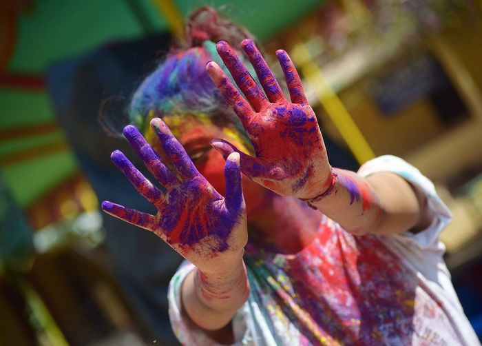 Multi Colored Focus On Foreground Flower Close-up Day Adult Only Women Red Outdoors People Human Body Part One Person Nature Fragility Adults Only One Woman Only Human Hand Holi
