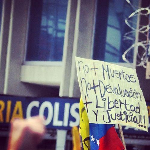 26m Chacaito Venezuela SOSVenezuela ResistenciaVzla sos estudiantes gobiernocorructo prayForVenezuela fuerza elquesecansapierde pancartas estudiantes caracas universidades paz resistencia laluchasigue