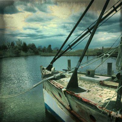 Going fishing!! Instagram Instamood Intstagood Iphotography Instagramers DailyShot Dailywalk Dayshots Fishing Oldship Boats Longislandinstagram Insearchofsunset Instagramhub Instaphoto