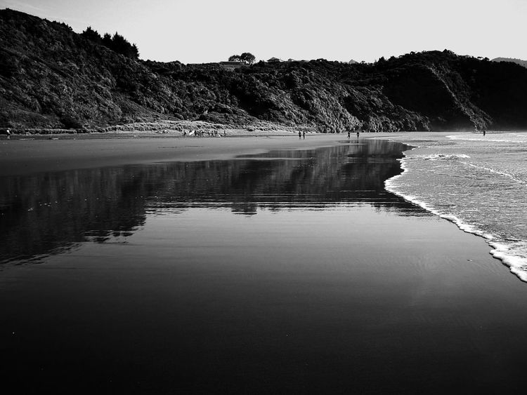 First Eyeem Photo Raglan Newzealand Newzealandphotography Nature Beach Pacific Reflect Blackandwhite Surfersparadise