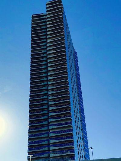 Skyscraper Low