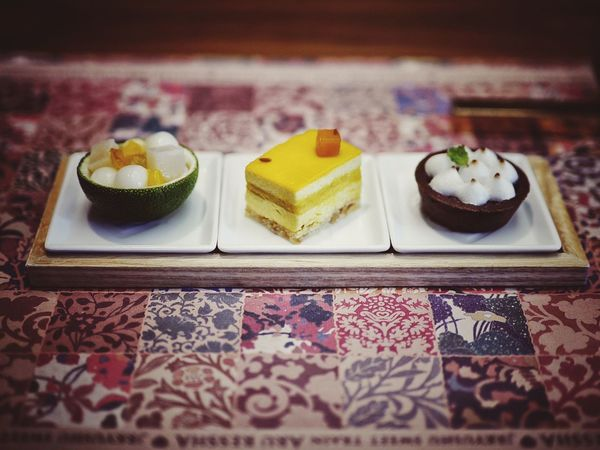 "Dessert Mignardise NARISAWA directs the Sweets ""Suzukaze"" center : Pumpkin Cake Miyazaki made. right : Mint tasty Chocolate Tart スイーツテロ Off course, ingredients are generally grown in Kyushu. 50mm F/1.4 Dessert Time! JR KYUSHU SWEET TRAIN「或る列車」 Nagasaki JAPAN"