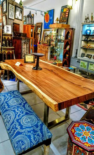 No People Antique Antique Shop Antique Shopping Antique Table Benches Decoration Wood Wooden Table Wooden Colourful Paintings Furniture Market Furniture Shopping No Order No People, EyeEm Eyeemphotography Decorating Decorazioni Decorative Art Decorate
