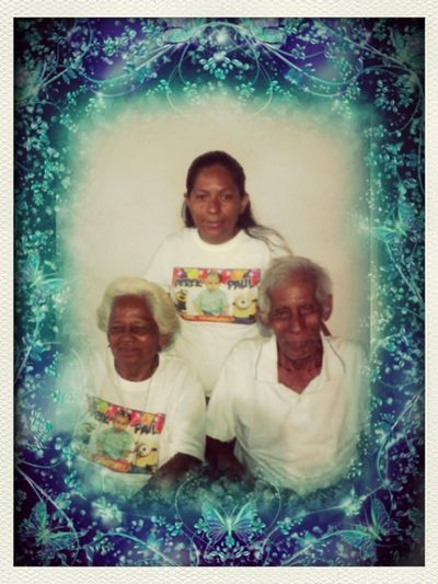 Gracias mami juana y papa manuel x averme elejido como su hija y gracias dios por darme unos hermosos padres ejemplares Los Amo