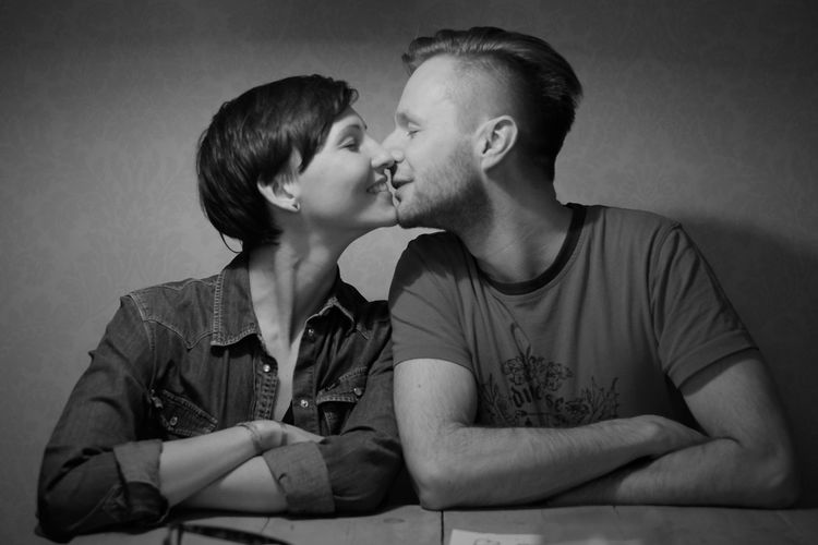 EyeEm Selects Two People Togetherness Love Positive Emotion Women Emotion Adult Couple - Relationship Kissing Heterosexual Couple Romance Affectionate
