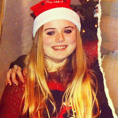 So old lol Christmas Spiderwebsleeves Evanescence Fishnet blond hair 12yearsold