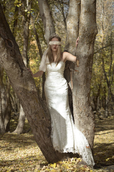 Tree Beautiful Woman Nature Outdoors Beauty In Nature Tree Trunk Rsa_ladies Pr0ject_soul Utah Nature Autumn Colours Autumn 2017