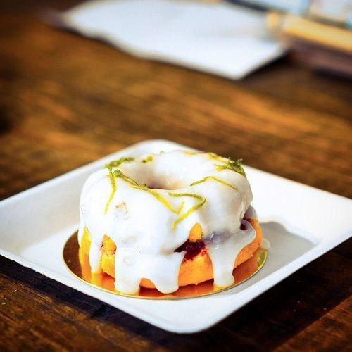 Like this Raspberry & Lime Teacake even though it tastes very sweet. Burpple Plainvanillabakery Plainvanilla Pvbakery bakerycafe raspberrynlimeteacake teacake