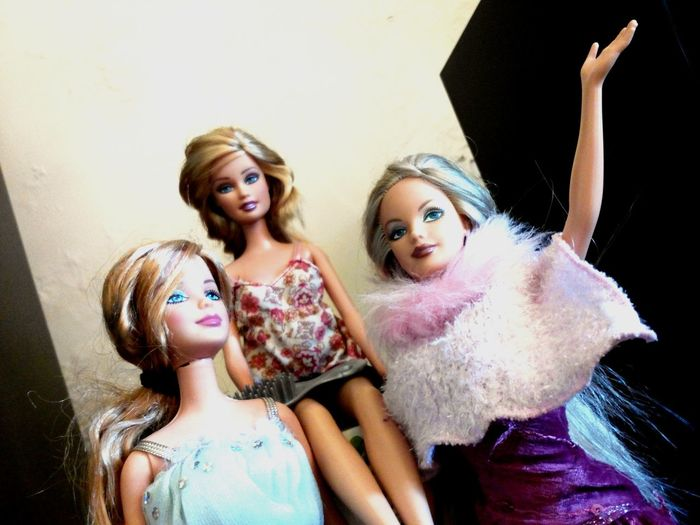 Phoneography Check This Out Taking Photos Mobilephotography Hello World Girl Photography Mobile Photography Capture The Moment Barbie Dolls Dolls!! Hi! Fashion Passion For Fashion Fashionphotography Messy Hair