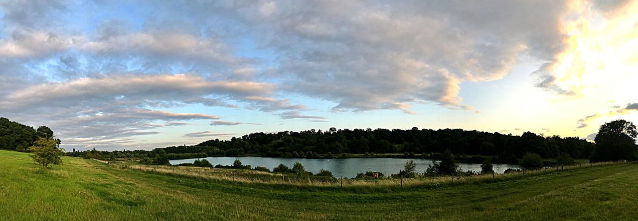 Eye opening 👁 Landscape Panoramic Nature Sky Outdoors Lake Sunset Naturelovers Scenery Clouds Skylovers Sunsetlovers Sunsetphotography Park Summer Hertford Photography