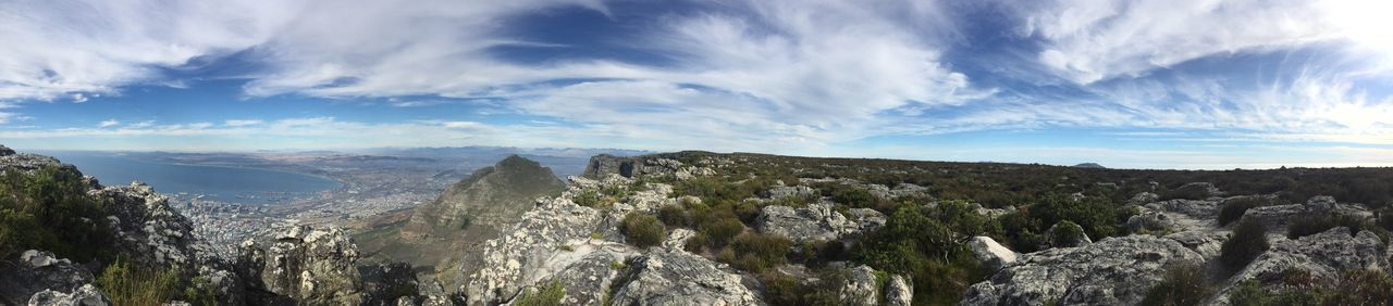 Table mountain Mountain Rock - Object Scenics Beauty In Nature Outdoors Cloud - Sky Hiking Travel Destinations Day No People Mountain Range Physical Geography Sky Landscape