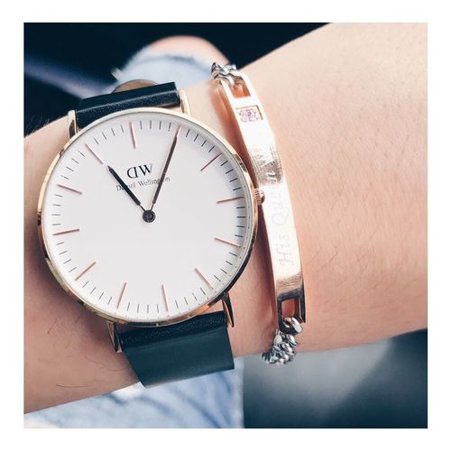 EyeEm Selects Time Clock One Person Watch Real People People Danielwellington Love German GERMANY🇩🇪DEUTSCHERLAND@ Girl Danielwellingtonwatches His And Hers His Queen