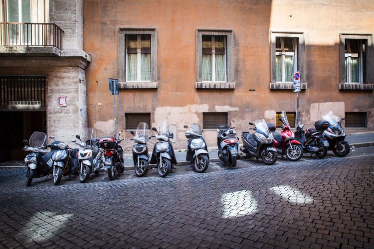 Built Structure Transportation Building Exterior Architecture Mode Of Transport Day Motorcycle Outdoors Land Vehicle City Rome Rome Italy Travel Travel Destinations Travel Photography Traveling Canon Canonphotography Moped Photography Italy Streetphotography Street Photography Street Photographer