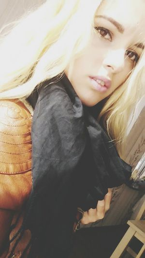 Blonde Hair Brown Eyes Long Lashes Blonde Girl Hello EyeEm