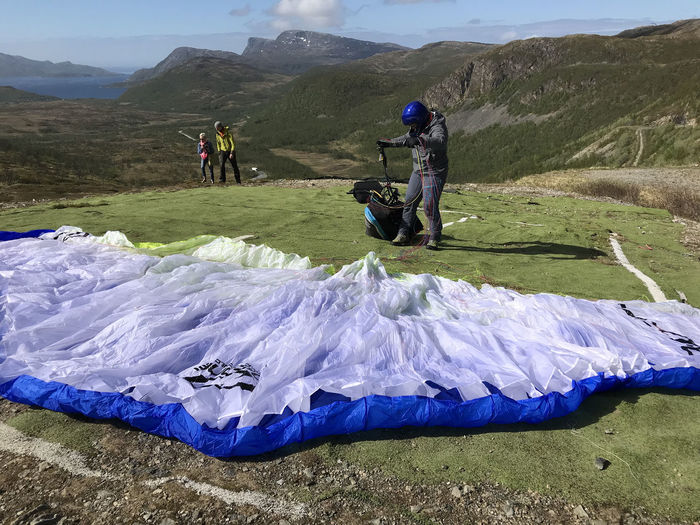 Paragliding in