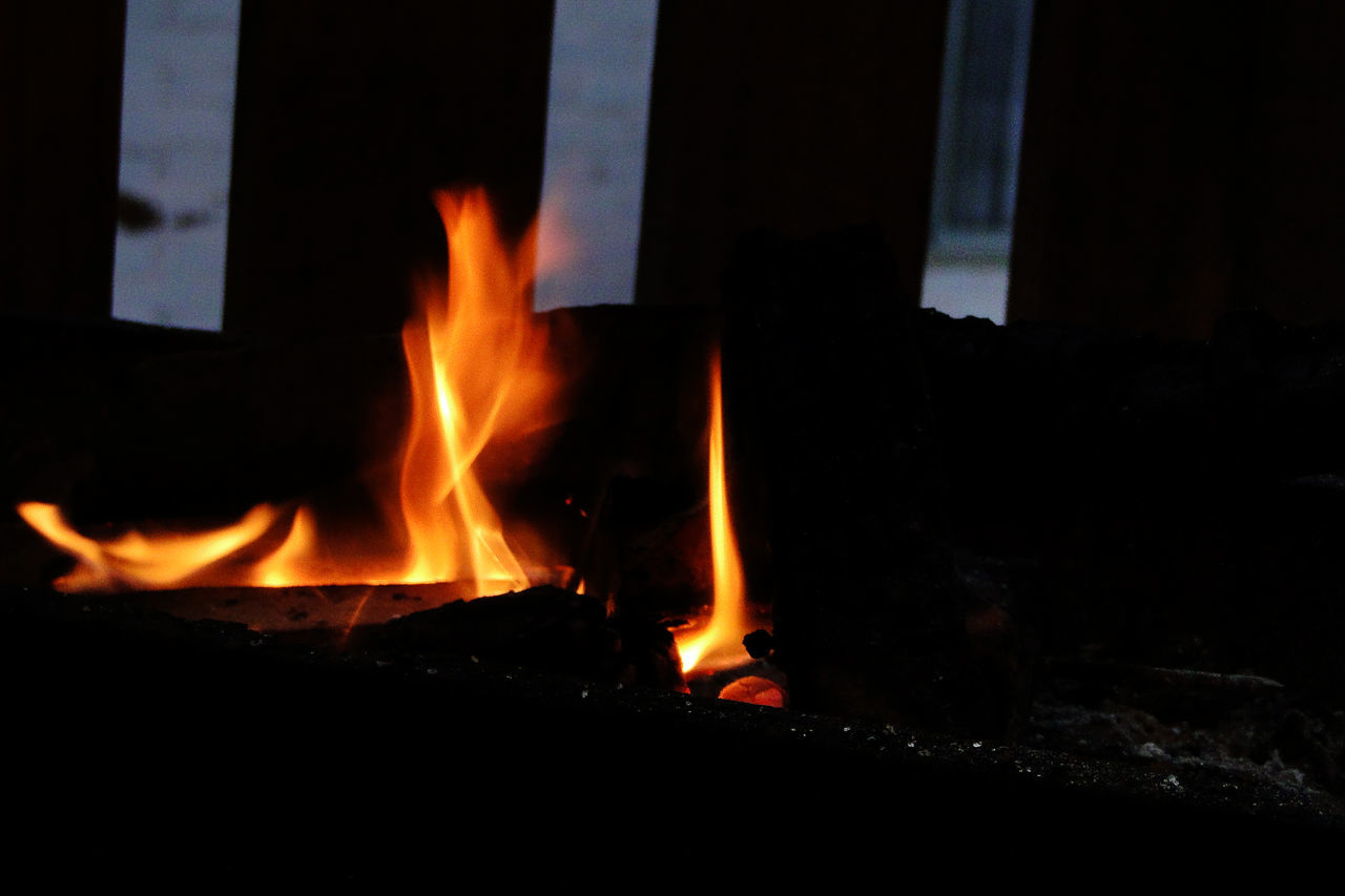 burning, flame, heat - temperature, glowing, night, no people, bonfire, motion, close-up, outdoors, fire pit