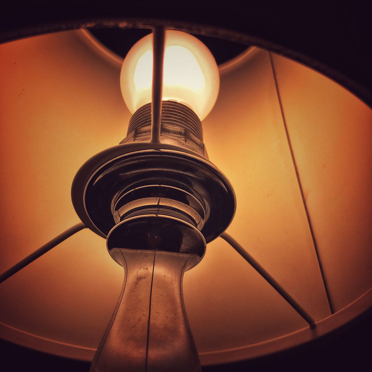 LOW ANGLE VIEW OF LIGHT BULB