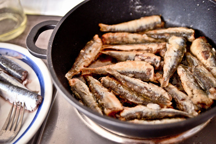 Close-up Day Fired Fish Food Food And Drink Freshness Fried Fried Fish Grilled Fish Healthy Eating Indoors  No People Preparation  Ready-to-eat Sardine Sardinia Skillet- Cooking Pan Live For The Story