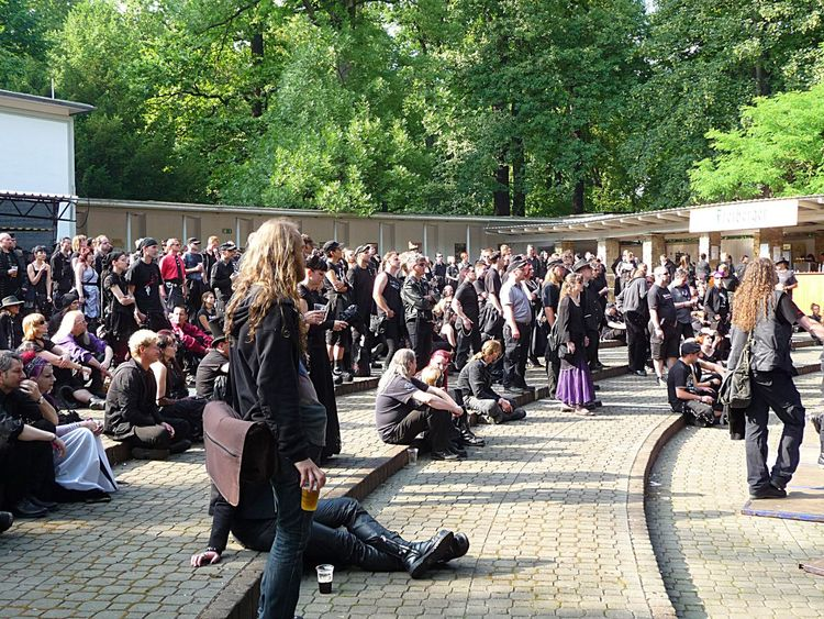 Wave-Gotik-Treffen Leipzig, Parkbühne Wave-Gotik-Treffen Enjoying Life Germany Leipzig From My Point Of View Festival Season Extraordinary  Fun Crowd Music Park Black
