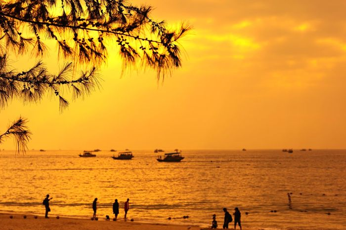 Xun liao wan Sky Sunset Water Sea Orange Color Scenics - Nature Group Of People